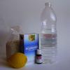 sel, citron, bicarbonate, huile essentielle et vinaigre blanc : les indispensables et incontournables produits ménagers.